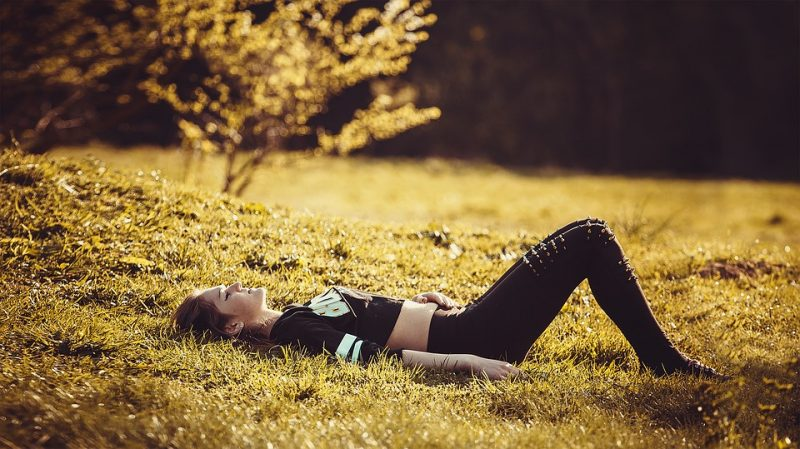 Yoga Freedom Sports Girl Lying On The Grass Pants